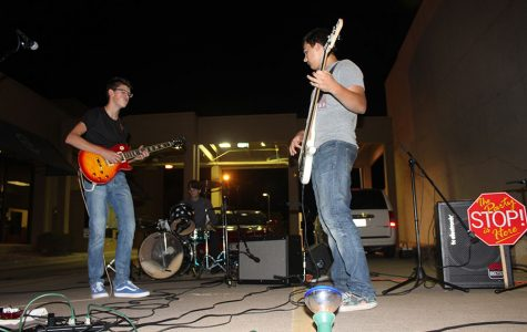 Ilias Revive members playing together for the crowd.