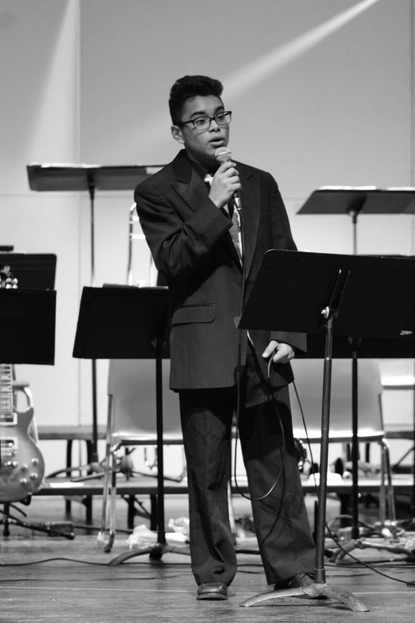 Sophomore Mikey Smith sings a Micheal Bublé cover at the Jazz and Railiaires marathon concert Nov. 5.