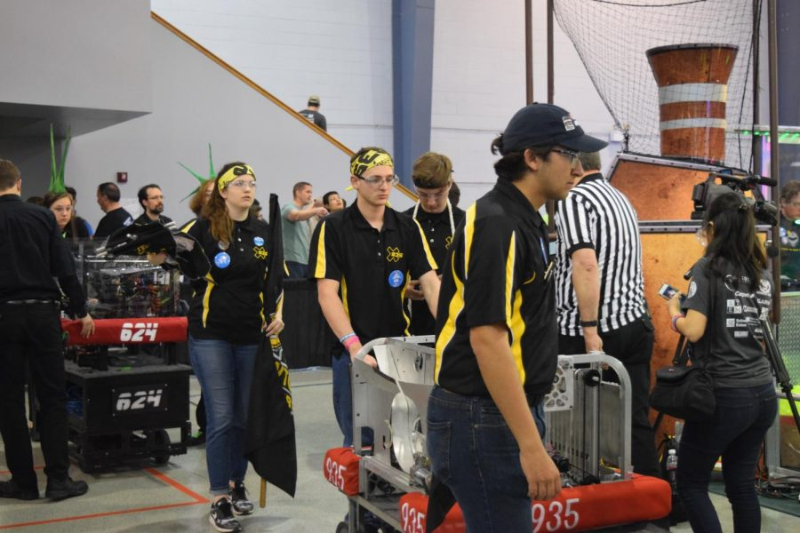 RaileRobotics+team+builds+winning+robot