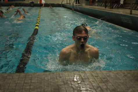 Boys swim team enters season with new varsity head coach