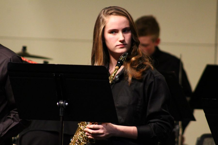 Freshman+Kathryn+Burton+prepares+to+play+during+Jazz+Ensemble+II.