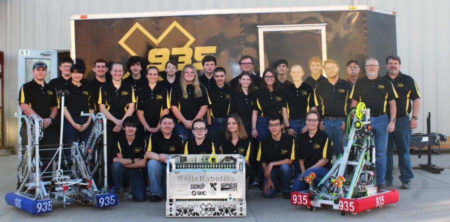 Robotics team prepares for regionals