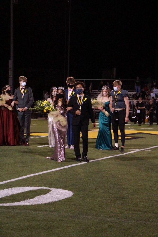 Hoco King Jason Catache -Gomez and Hoco queen Alondra Valle