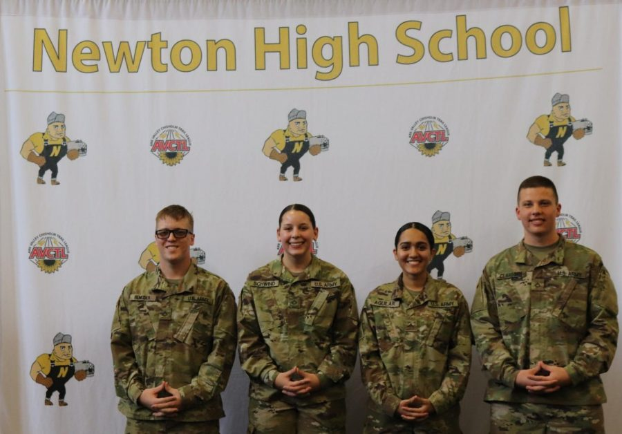 Students commit to military service